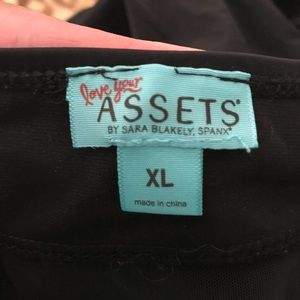 Assets By Spanx Swim - Assets (division of Spanx) bathing suit